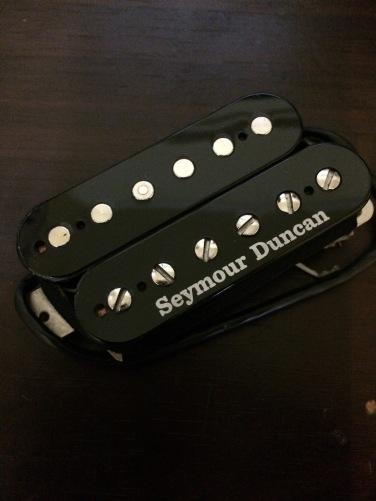ナイトホーク専用なので他のギターには搭載不可。
